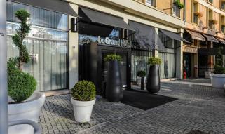 Le-Grand-hotel-Facade
